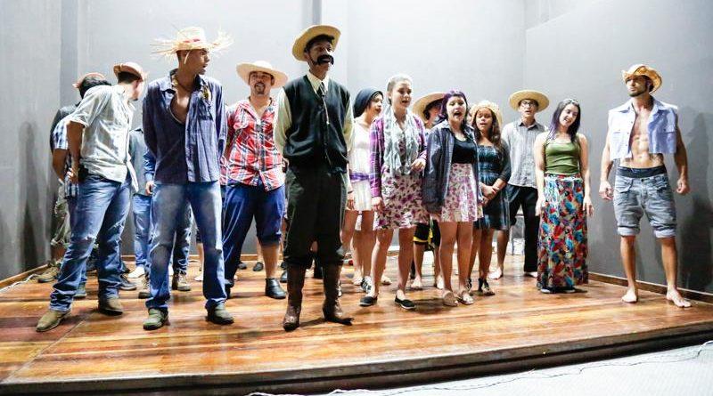 1ª Mostra de Teatro do Ensino Médio foi realizada no Teatro Municipal